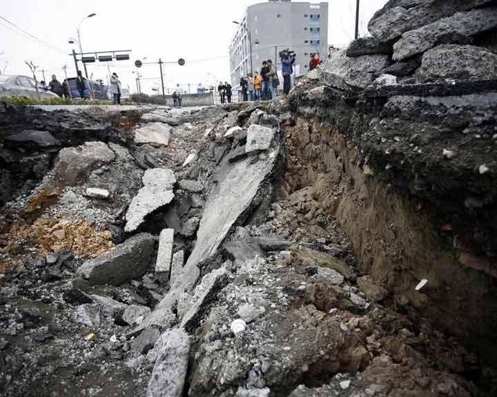 组图:北京上海等多地出现地面塌陷
