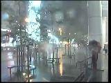 台风苏拉最新消息:肆虐台湾 雨伞开花路难