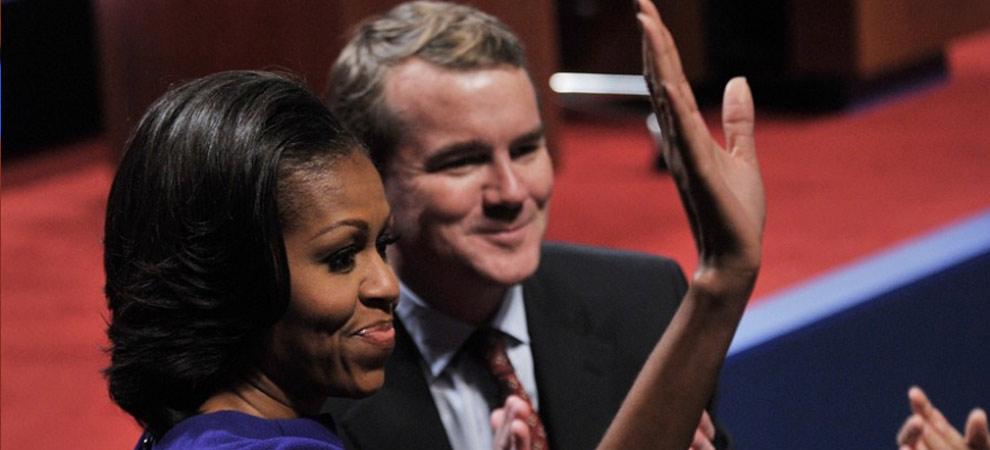 美国2012总统大选首场全国电视辩论会 米歇尔·奥巴马挥手