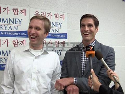 美国大选:罗姆尼两个儿子大跳《江南style》骑马舞为父拉票