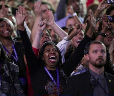 奥巴马连任美国总统 支持者欢呼庆祝
