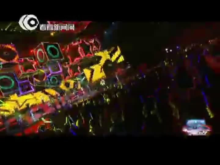 视频:东方卫视跨年盛典 凤凰传奇《最炫民