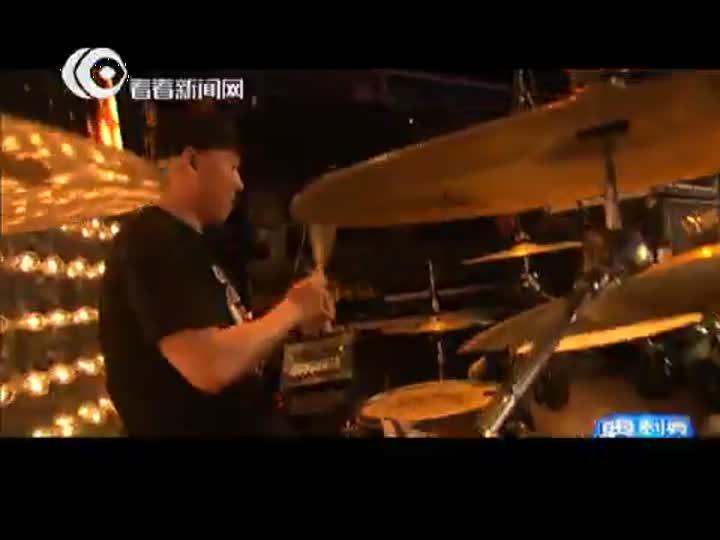 视频:东方卫视跨年盛典  孙楠红色旋风火