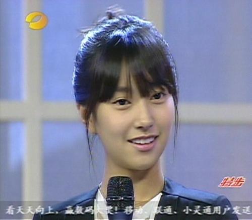 金智敏_圣恩熙品牌女鞋携手韩国人气女星金智敏演绎2