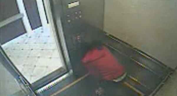 继 蓝可儿事件 死亡电梯 再现 广州体育学院研究生6楼电梯坠亡 回顾蓝可儿诡异死亡事件