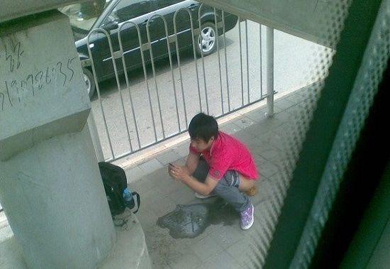 广州地铁大便_10岁女生站着上厕所大全_10岁女生站着上厕所汇总