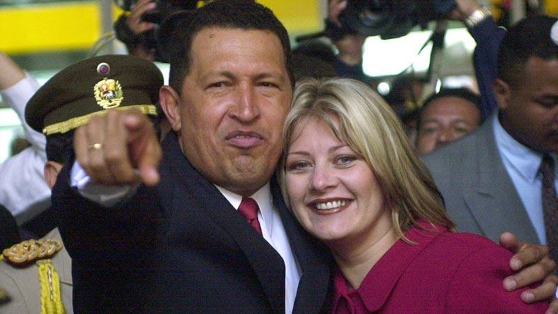 2000年7月,查韦斯在根据委内瑞拉新宪法重新举行的大选中再次当选总统。