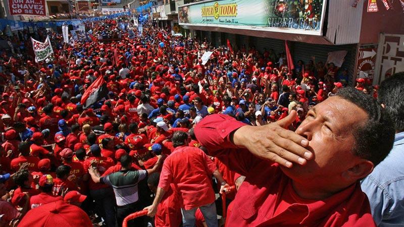 2006年11月24日,委内瑞拉加拉加斯西南小镇,查韦斯出席一场政治集会。