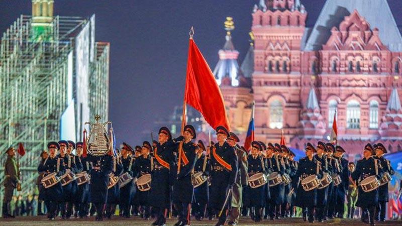 莫斯科红场阅兵式彩排——参加阅兵彩排的俄罗斯官兵走过红场