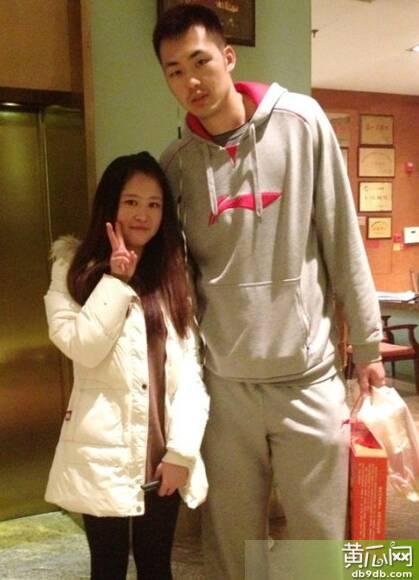 史上情侣最萌身高差出炉 男生193cm配158cm女生最能凸显小鸟依人