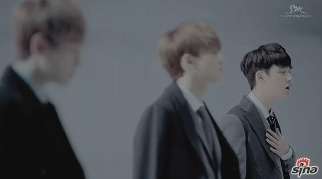 韩国男生组合exo冬日特辑主打曲《12月的奇迹》mv于昨日