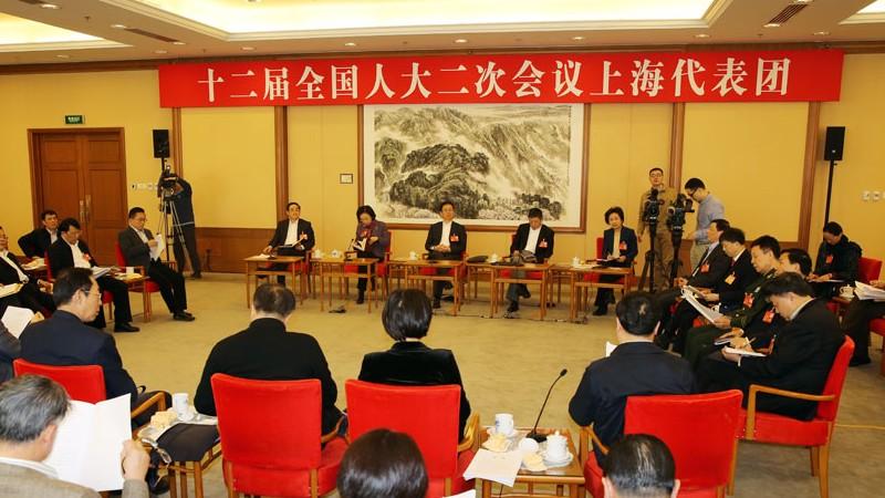 3月9日下午3点,十二届全国人大二次会议上海代表团将举行全体会议,审议全国人大常委会报告。