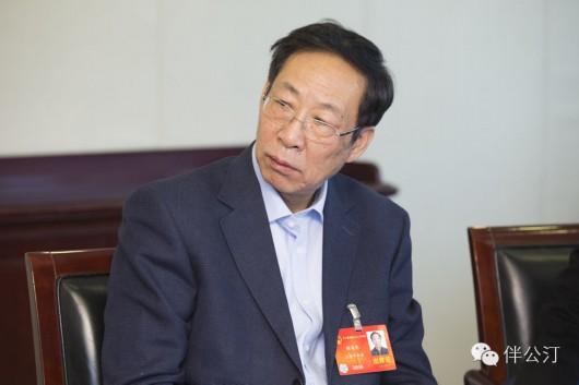 """两会上海代表团:""""名门之后""""议政录"""
