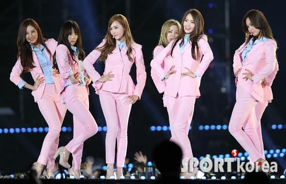 韩国2014梦想演唱会少女时代再掀粉色风暴精彩图集