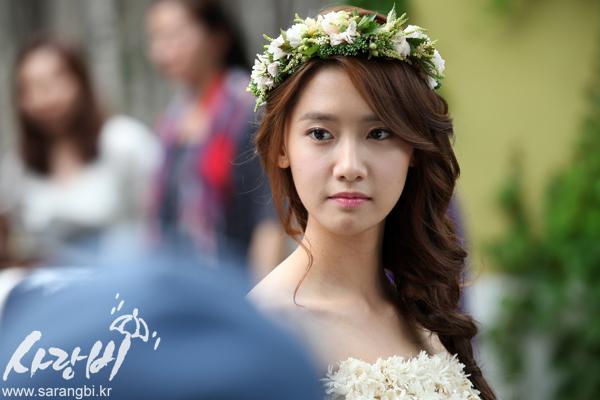 代允儿《SURE》杂志写真自然清新美丽女神 韩