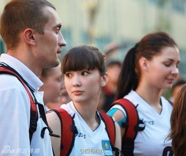 【图】哈萨克斯坦女排美女球员PK惠若琪魏秋