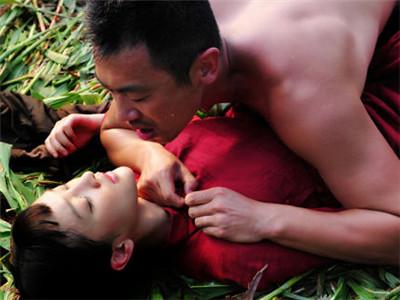 她们未成年就拍了激情戏 李小璐刘亦菲