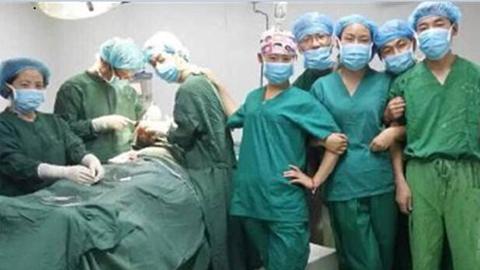 手术室的自拍