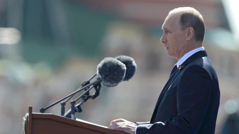 当地时间5月9日,俄罗斯举行盛大阅兵式庆祝卫国战争胜利70周年。图为俄罗斯总统普京致辞。