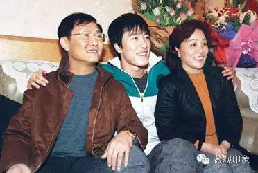 """刘翔""""飞人""""纪录片,更加真实的人生记者眼中的刘翔"""