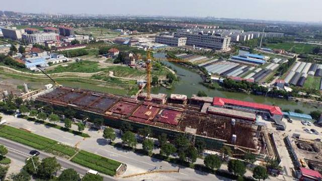 航拍上海轨交17号线在建站点