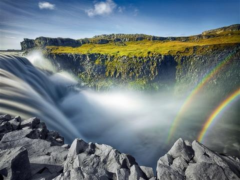 摄影师冰岛拍绝美瀑布景观 现实版《指环王》宛如仙境