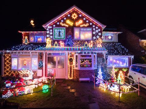 """盘点世界各地""""灯光圣诞"""" 美到醉如梦如幻"""