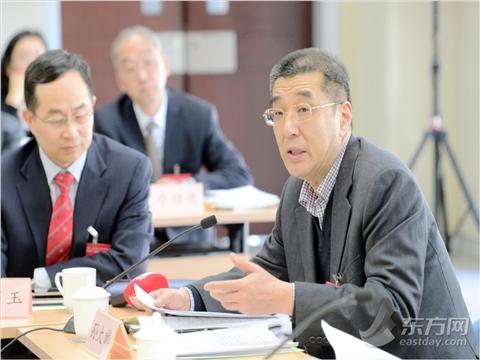 政协委员参加分组会议 积极参政议政、建言献策