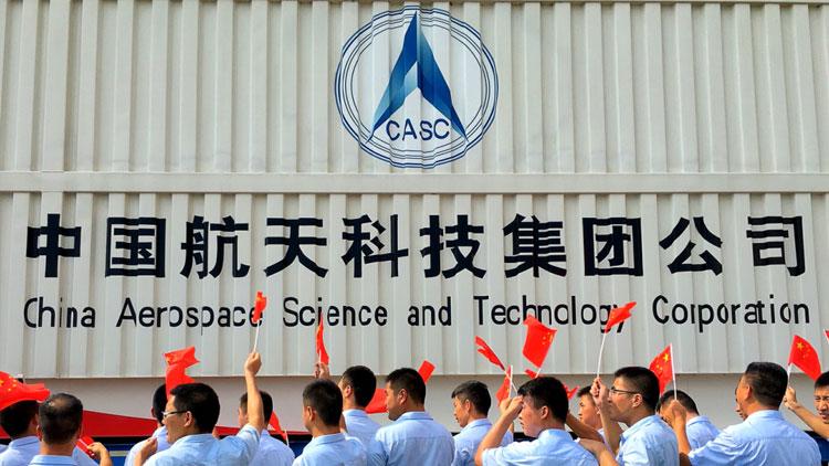 高清大图|实拍长征七号运载火箭在文昌清澜港码头卸货