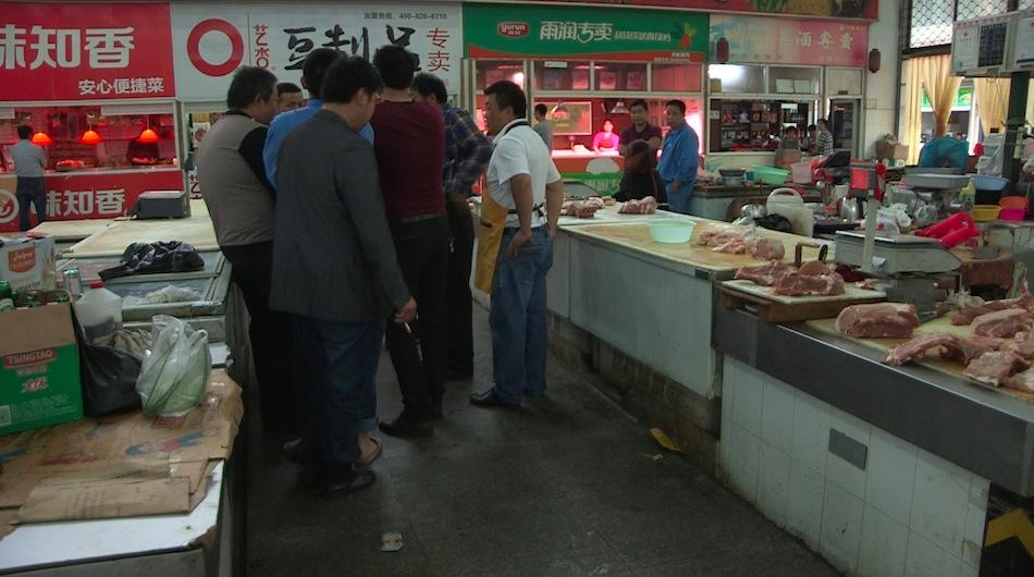 停车纠纷引发刑案 上海一菜场内斗殴致一死两伤