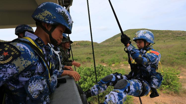 """直击""""蓝色突击-2016""""中泰联训海上立体协同训练"""
