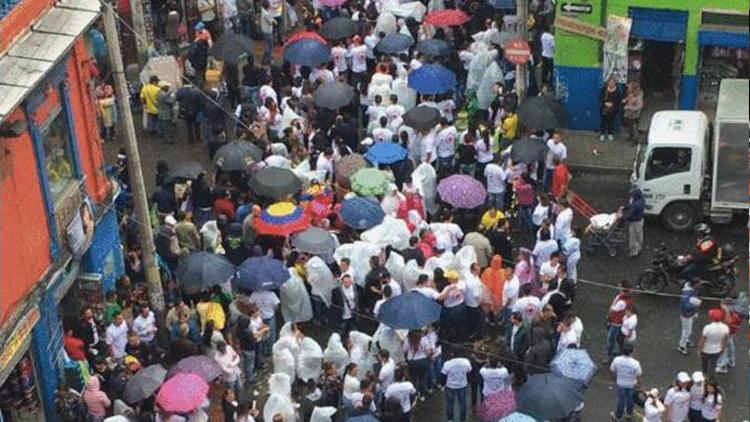 哥伦比亚现大规模反华商抗议 13名华侨被抓扣