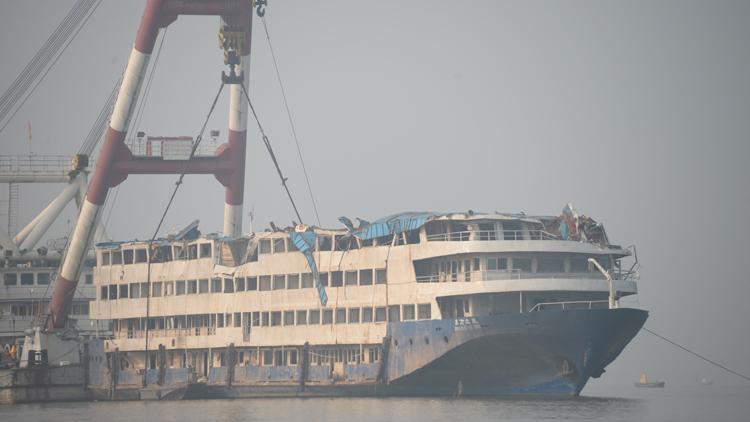 历史上的今天:2015年6月1日 东方之星沉船