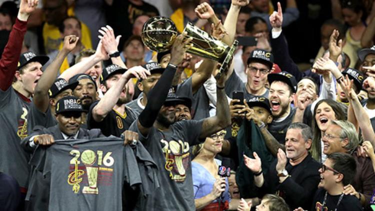 NBA总冠军诞生:骑士队逆转勇士夺队史首冠!