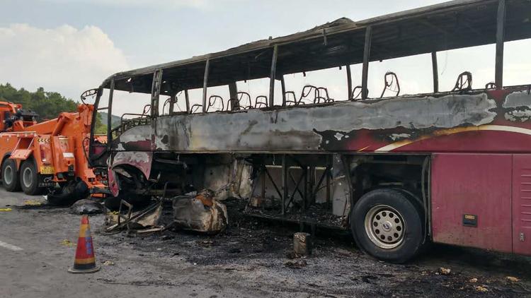 湖南大巴起火事故驾驶员及相关责任人等7人已被控制