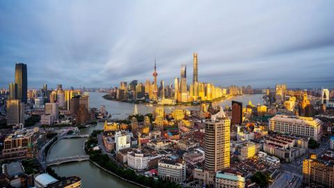 上海公布上半年经济数据:GDP增长6.7%