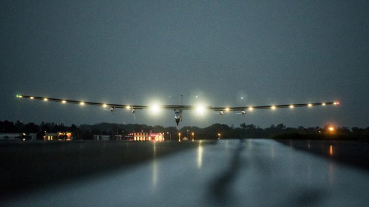 阳光动力2号太阳能飞机结束环球旅行 创下19项世界记录