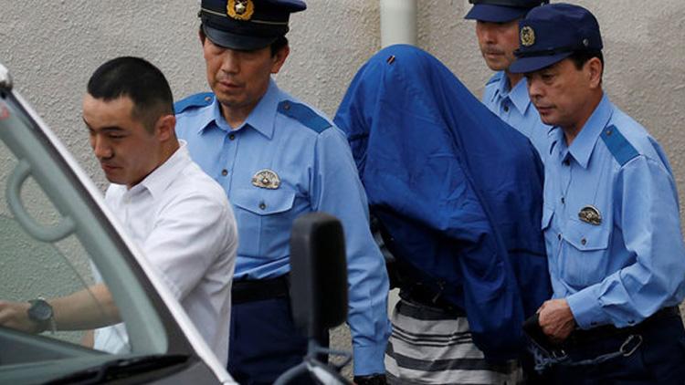 日本一残疾人福利院发生持刀行凶惨案 监控视频记录凶手进入福利院行凶瞬间