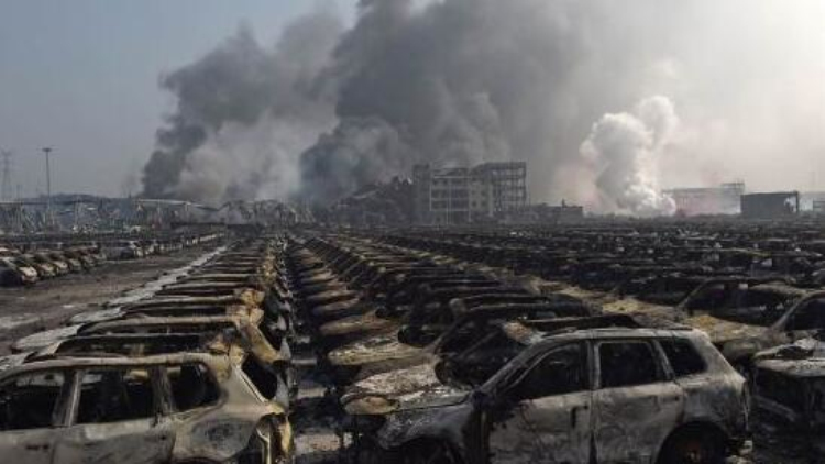 杨焕宁谈天津港事故:未执行安全标准 危险源进入人口密集区