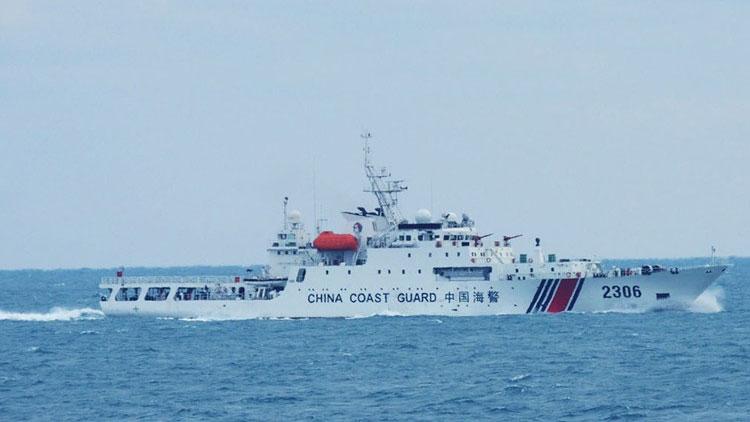 中国海警舰船编队7月30日在钓鱼岛领海内巡航