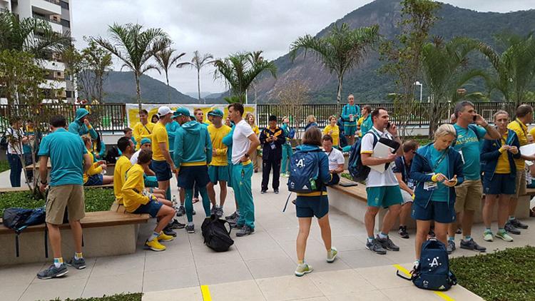 里约奥运会安保住宿问题频出 110米栏名将史冬鹏讲述失窃经历