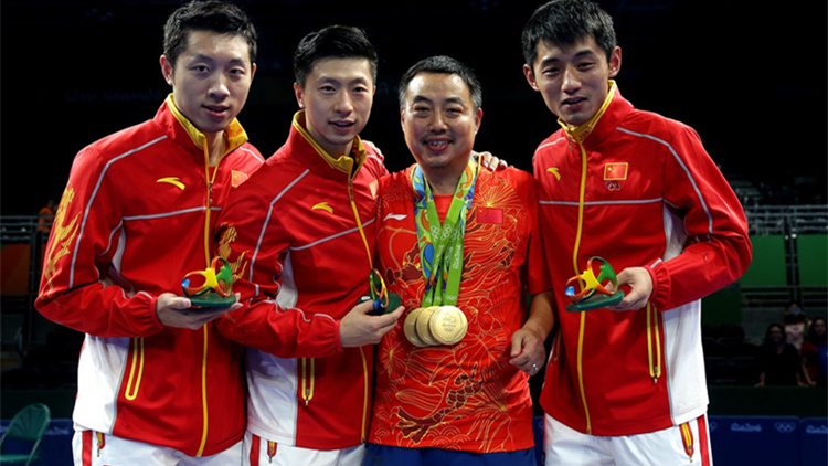 中国奥运金牌运动员访港:乒乓球表演赛