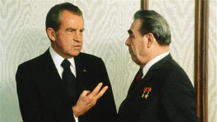 【交叉点道】西方给苏联下药 埋下解体祸根?