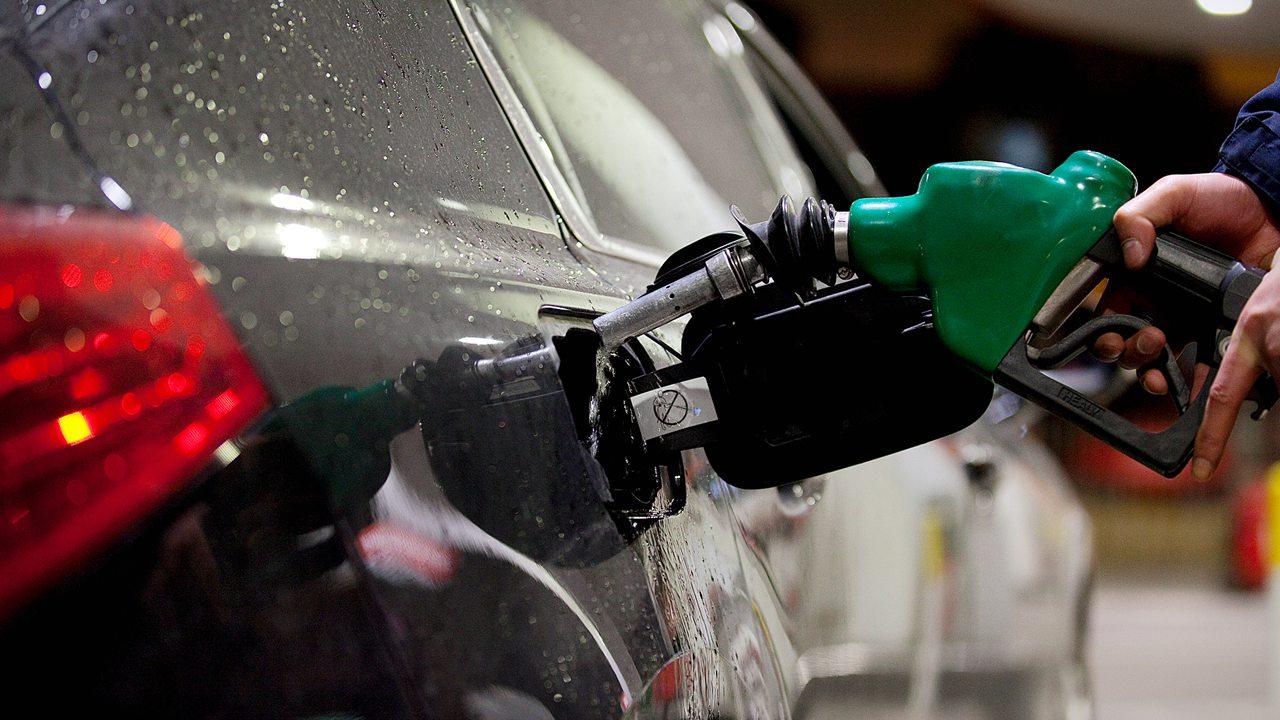 明起油价迎年内最大降幅 全国多地重回5元时代