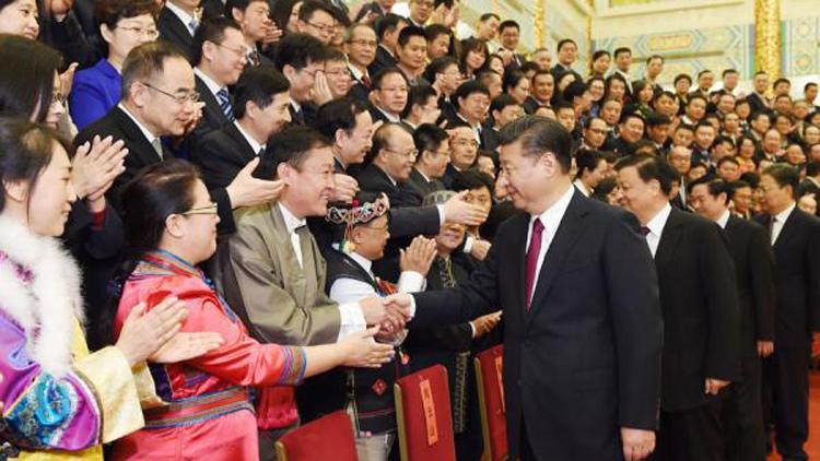 习近平会见记协第九届理事会和中国新闻奖长江韬奋奖获奖代表