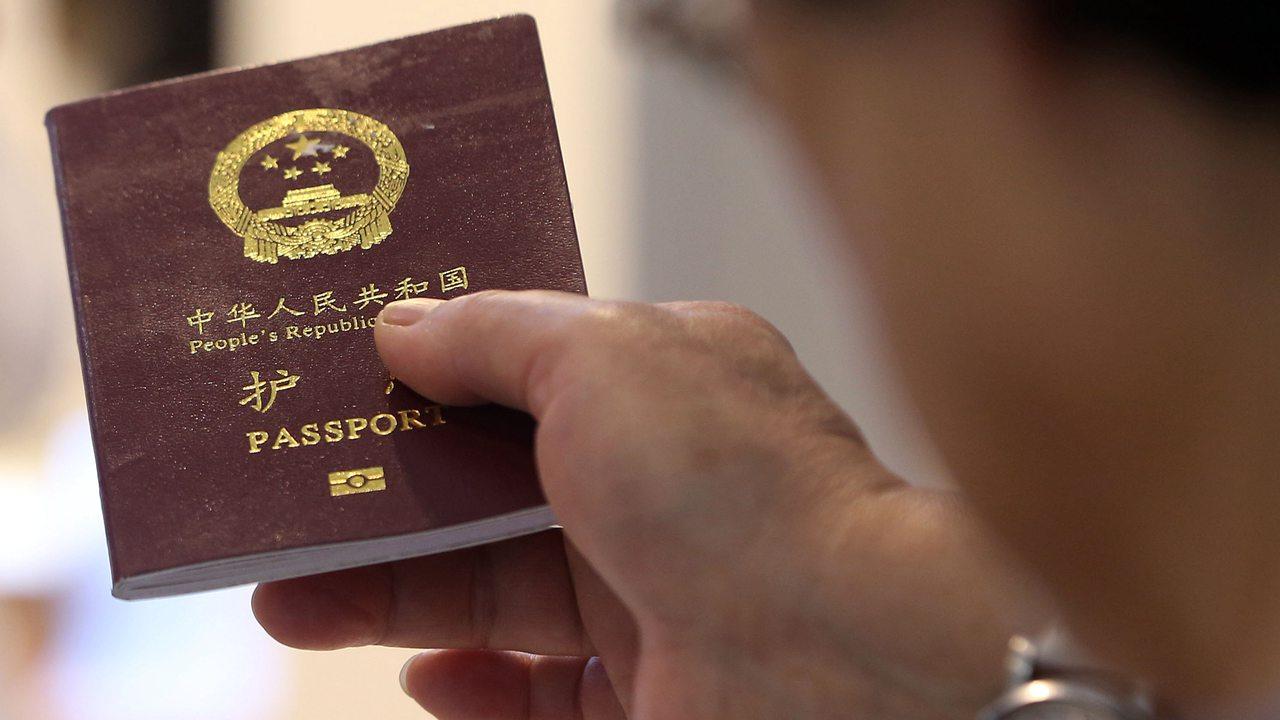 民航局明确:护照可以作为有效证件乘坐国内航班