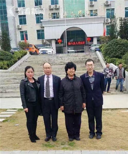 迟夙生(右二)与王少光(左二),分别作为独山传奇公司及其法人代表郭勇的辩护人,出席二审庭审均做无罪辩护。
