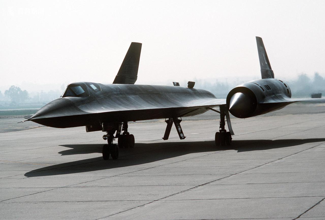 美国SR-71黑鸟