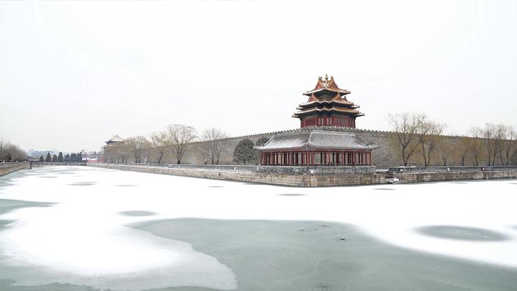 北京鸡年初雪 白雪镶嵌的紫禁城美翻了
