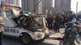 视频|郑州一面包车撞多辆电动车致1死9伤 原因待查